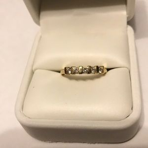 10k yellow gold ring with 5 small diamonds